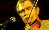 Músico sofre infarto e é internado