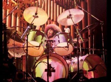 Ex-baterista do grupo Boston, Sib Hashian morre durante show em cruzeiro marítimo
