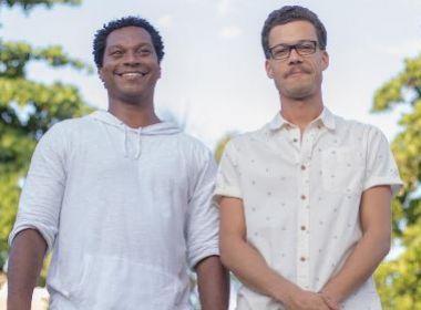 Duo B.A.V.I. lança música durante 'Sessão Especial' da Commons