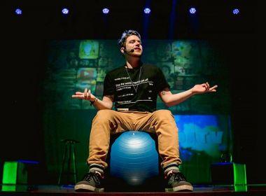 Youtuber apostou em peça com conteúdo pessoal para falar com jovens de Salvador