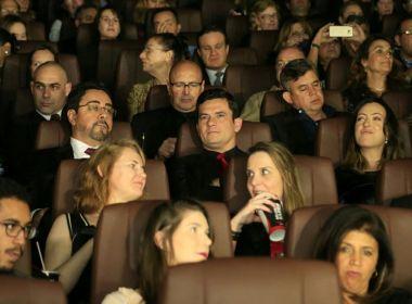 Com aplausos, sessão de filme sobre 'Lava-Jato' tem presença de Moro, Bretas e Dallagnol
