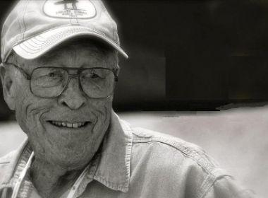 Bruce Brown, diretor do clássico 'The Endless Summer', morre aos 80 anos