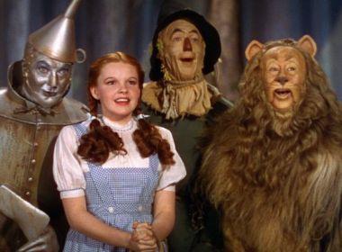 Crianças ajudam a adaptar conto clássico 'O Mundo Mágico de Oz' para peça