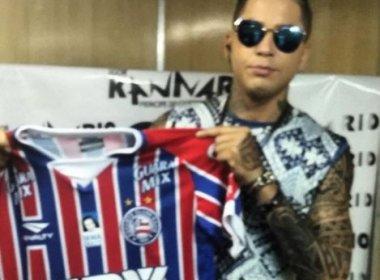 Igor Kannário ganha camisa do Bahia: 'Estamos juntos nesse Carnaval'