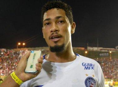 Hernane reclama de atitude da equipe: 'Sempre tem algo a mais para dar'