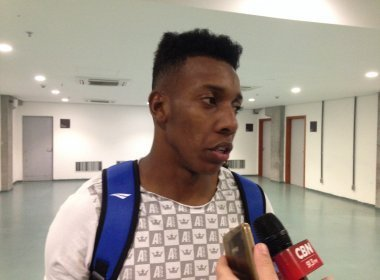 Exame acusa estiramento e Moisés está vetado da partida contra o Joinville