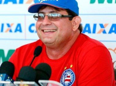 Guto Ferreira rebate críticas sobre deficiência no ataque e exalta movimentação em campo