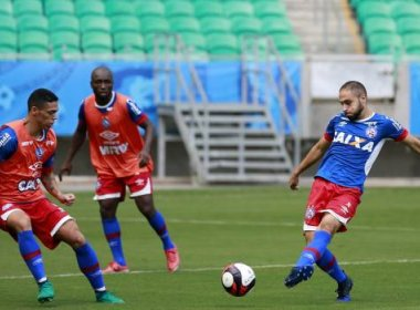 Em treino na Arena Fonte Nova, Guto Ferreira arma equipe para pegar o Galícia