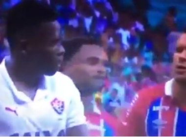Durante o Ba-Vi, Lucas Fonseca provoca Kanu: 'Você está com bafo'