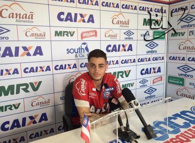 Jean celebra renovação de contrato com o Bahia: 'Aqui me sinto em casa'