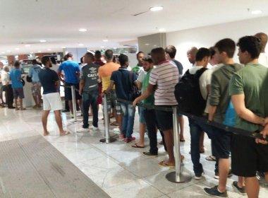 Bahia x Sport: com grandes filas, venda de ingressos em pontos físicos é iniciada