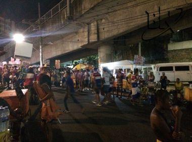 Cambistas fazem a festa e cobram até R$ 150 por ingresso para a final entre Bahia e Sport