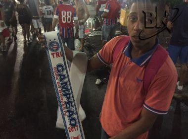 Vendedor e torcedor: Ambulante prevê gol do título para 'consagrar' campeonato de Régis