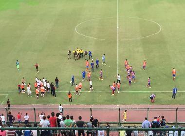 Após jogo, policiais controlam confusão entre jogadores sub-20 da dupla Ba-Vi; veja