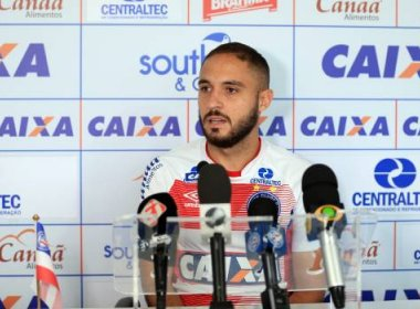 'É um grande jogador e vai nos ajudar', diz Régis sobre chegada de Rodrigão