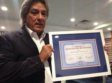 Candidato à presidência do Bahia, Fernando Jorge recebe título de Sócio Grande Benemérito