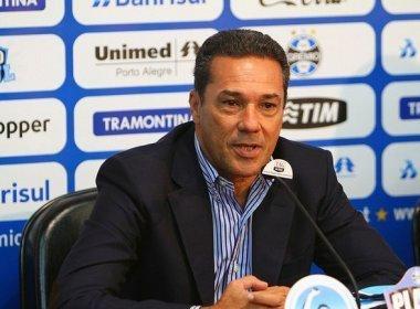 Diretor do Grêmio garante permanência de Luxemburgo