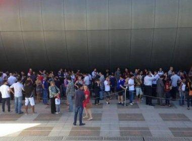 Torcedores fazem fila para comprar ingressos para Santos x Flamengo