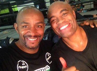 Ainda em recuperação, Anderson Silva treina boxe em academia no Rio de Janeiro