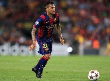 daniel-alves-pede-renovacao-do-contrato-de-neymar