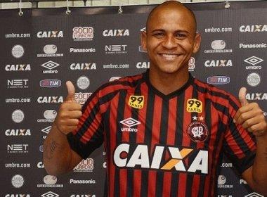 Mais magro, Walter se reapresenta no Atlético Paranaense