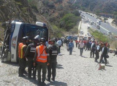 Ônibus do Huracán sofre grave acidente e jogador do clube perde quatro dedos do pé