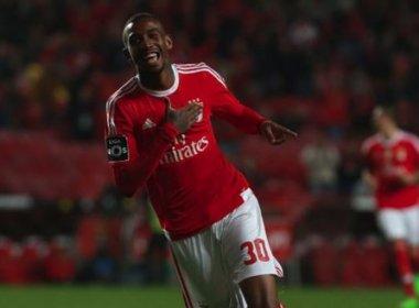 Na Champions, Talisca sai do banco e garante classificação com vitória do Benfica