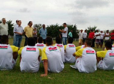Com reforços e permanências, elenco do Fluminense de Feira se apresenta para Série D