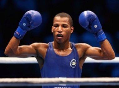 Robson Conceição vence rival do Tadjiquistão e avança às quartas do boxe