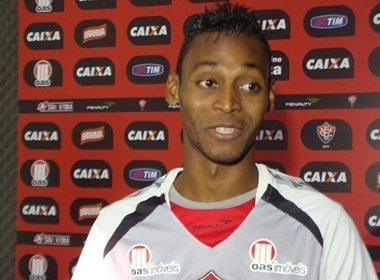 Ex-Vitória, Marquinhos está próximo de acerto com o São Paulo