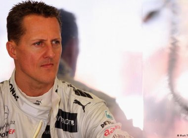 Advogado de Schumacher afirma que piloto não consegue andar