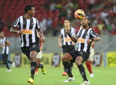 Recuperado de vício no álcool, Jô espera que Ronaldinho 'encontre Deus na vida dele'