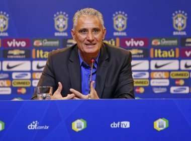 Tite cita 'soma do desempenho com resultados' na convocação do Brasil