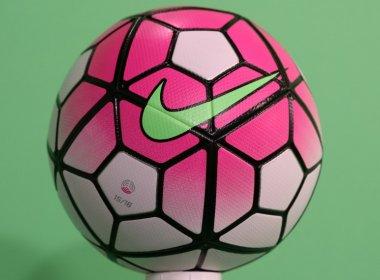 Em apoio à prevenção do câncer de mama, bola de Flamengo e Corinthians será rosa