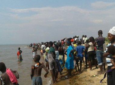 Jogadores e torcedores de equipe amadora de futebol morrem após naufrágio em Uganda