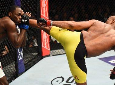 Após quebra de jejum no UFC, Anderson Silva se emociona e agradece ao público