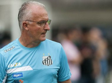 Sob protestos, Dorival Júnior assume responsabilidade em nova derrota do Santos
