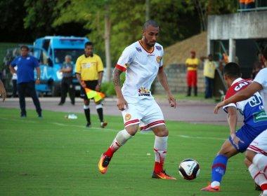 Apesar da dificuldade, lateral crê que triunfo mantém Juazeirense viva na Copa do Nordeste