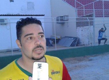 Atacante da Juazeirense vibra com gols marcados sobre o Sampaio Corrêa