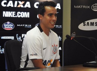 Na expectativa para reestreia no Corinthians, Jadson se diz pronto 'para 90 minutos'