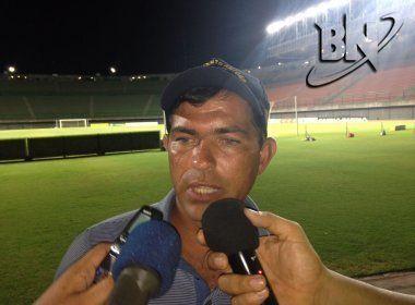 Técnico do Jacuipense rebate acusação de racismo feita pelo Fla de Guanambi