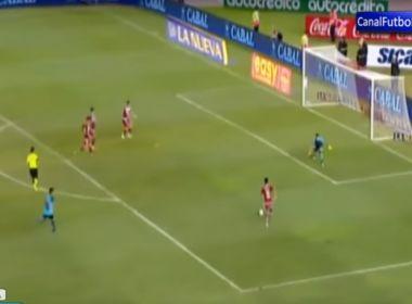 River perde gol com quatro atacantes contra um goleiro; veja vídeo