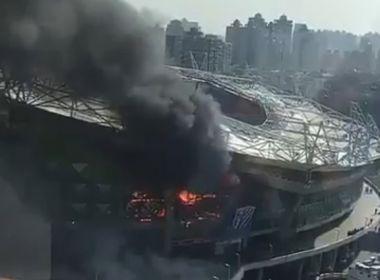 Estádio do time de Tevez pega fogo na China; incêndio não deixa vítimas