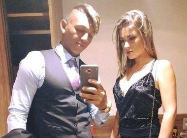 Isaquias quebra protocolo e pede namorada em casamento no Prêmio Brasil Olímpico