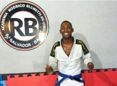 Para participar de competição internacional, lutador de jiu-jitsu organiza rifa em Salvador