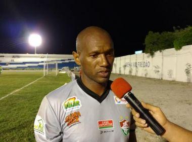 Goleiro do Flu de Feira, Jair quer equipe 'solidária' contra o Vitória