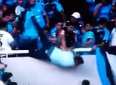 Morre torcedor arremessado de arquibancada na Argentina
