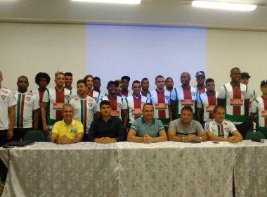 Fluminense de Feira apresenta 22 jogadores; diretoria promete mais novidades