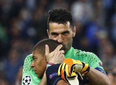 'Quando eu era jovem ninguém queria trocar comigo', Buffon explica carinho com Mbappé