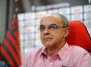 Presidente do Flamengo bate boca com jornalista depois de eliminação frustrante